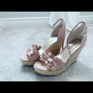 Guess Hayden Ruffle Wedges in pink